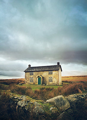 derelict house - p984m1572889 by Mark Owen