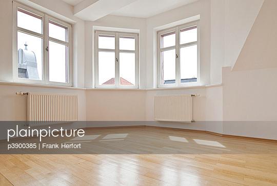 Leere Wohnung - p3900385 von Frank Herfort