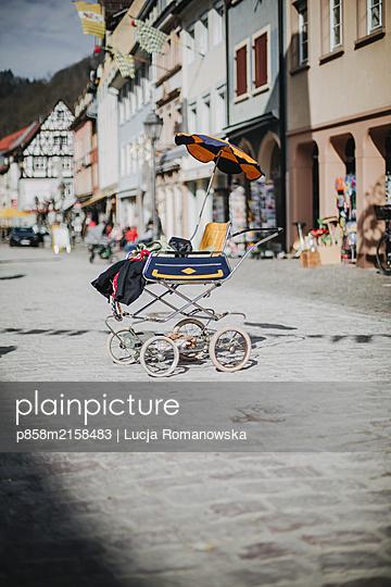 Old buggy - p858m2158483 by Lucja Romanowska