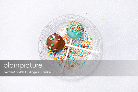 Cake-Pops - p781m1064341 von Angela Franke