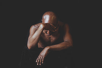 Portrait of a bald man - p445m1527818 by Marie Docher