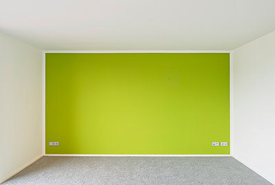 Green wall - p1119m1034597 by O. Mahlstedt