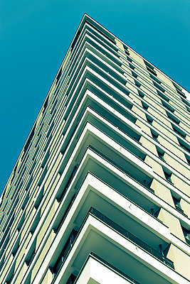 residential building - p1684m2272129 by Klaus Ohlenschlaeger