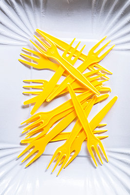 French fries forks - p1149m2187986 by Yvonne Röder