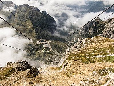 Bergpanorama - p930m938726 von Phillip Gätz