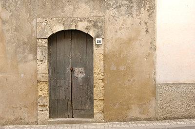 Doorframe - p4010021 by Frank Baquet
