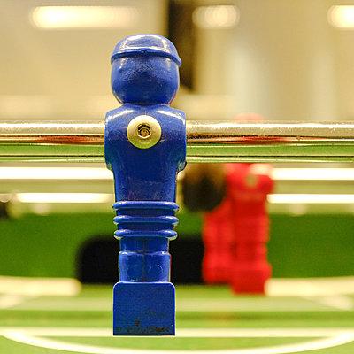 Table football - p627m1035955 by Hendrik Rauch