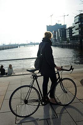 Rennrad fahren - p236m661770 von tranquillium