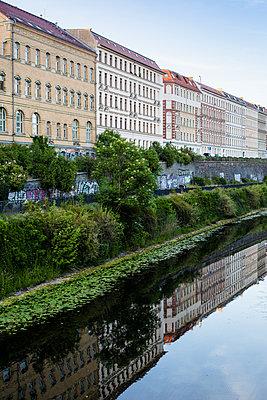 Am Kanal in der Innenstadt von Leipzig - p1325m1465119 von Antje Solveig