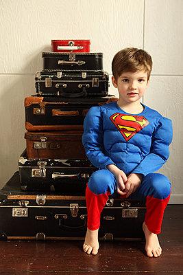 Supermann auf Reisen - p045m792211 von Jasmin Sander