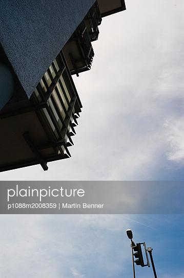 Balkon im Himmel - p1088m2008359 von Martin Benner