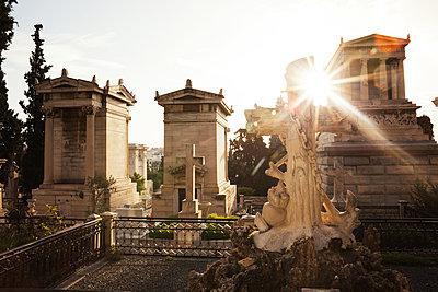 Friedhof in Athen - p1301m2016052 von Delia Baum
