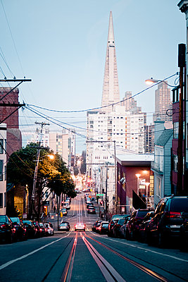 Streets of San Francisco - p795m1159964 by JanJasperKlein