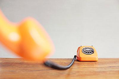 Telefon mit Wählscheibe - p214m1000350 von hasengold
