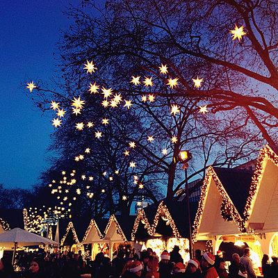 Germany, Cologne, Christmas market - p300m1009924 by Gaby Wojciech