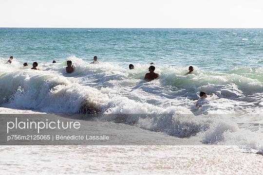 Badespaß - p756m2125065 von Bénédicte Lassalle