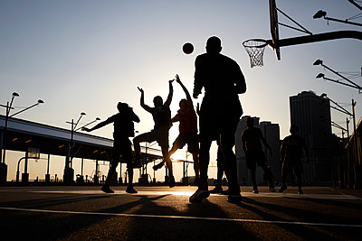 Basketball players - p1411m2057739 by Florent Drillon
