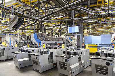 Machines for transport and sorting plant in a printing shop - p300m2104426 by Sten Schunke