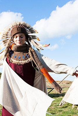 Indianerin - p894m776801 von Marzena Kosicka
