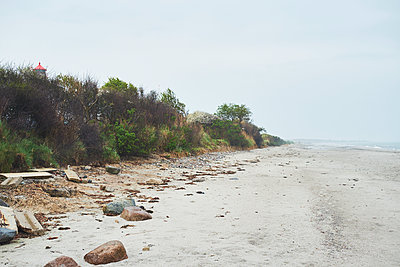 Deserted sandy beach on the Baltic Sea - p1511m2223055 by artwall