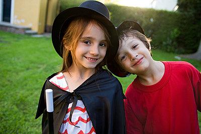 Children in costume, portrait - p62315343f by Sigrid Olsson