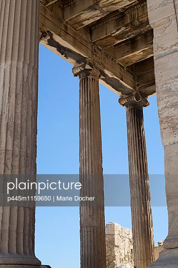 Säulen des Parthenons - p445m1159650 von Marie Docher