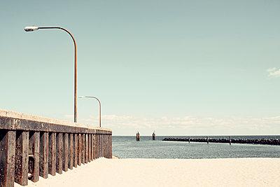Hafenmauer am Hafen von Hörnum auf Sylt - p1162m1502428 von Ralf Wilken