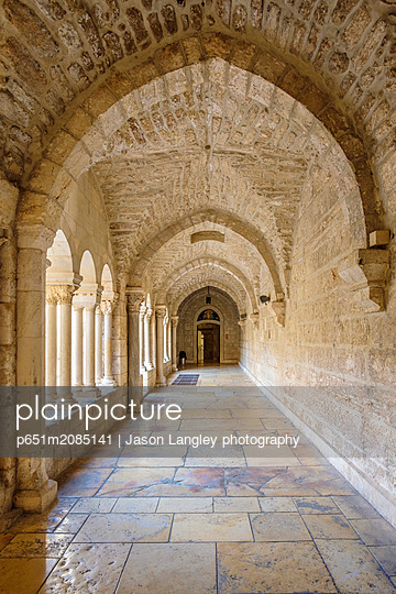 Palestine, West Bank, Bethlehem. Cloister of the Church of the Nativity, UNESCO World Heritage Site. - p651m2085141 by Jason Langley photography