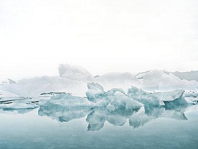 Iceland - p1171m994086 by SimonPuschmann