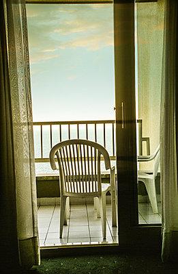 Hotelbalkon - p375m893316 von whatapicture