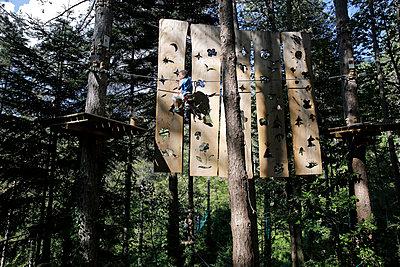 Adventure Park like a squirrel - p1307m1480896 by Agnès Deschamps