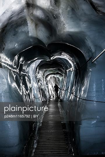 Gletschergrotte - p248m1165792 von BY