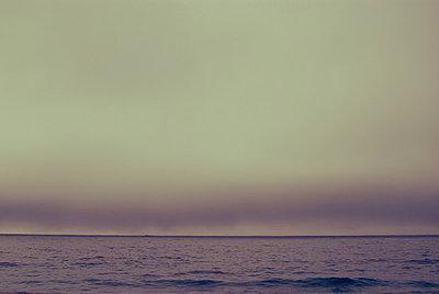 Cloudy Bay - p1089m855325 by Frank Swertz