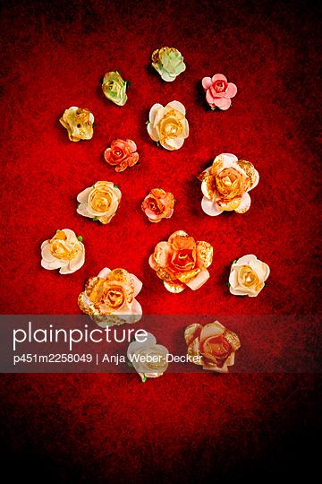 Paper flowers - p451m2258049 by Anja Weber-Decker