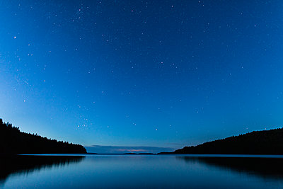Lake at night - p312m2078819 by Jonas  Gunnarsson