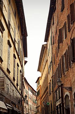 Altstadt in der Toskana - p382m1559151 von Anna Matzen
