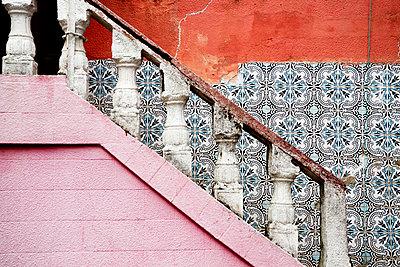 Gebäude in Lissabon - p2370500 von Thordis Rüggeberg