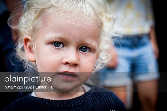 Girl looking at camera - p312m2237202 by Ellinor Hall