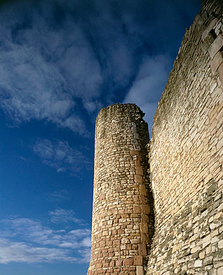Conisbrough Castle. View of south-west corner turret. - p8551730 by Keith Buck