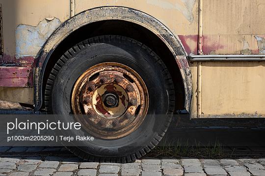 p1003m2205290 by Terje Rakke