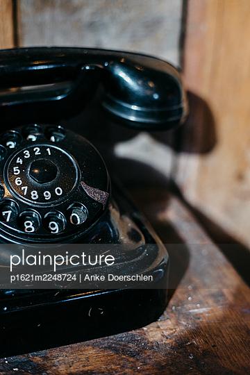 Old telephone - p1621m2248724 by Anke Doerschlen