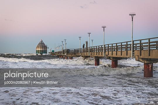 Germany, Mecklenburg-Western Pomerania, Zingst, pier at storm - p300m2080967 by Kerstin Bittner