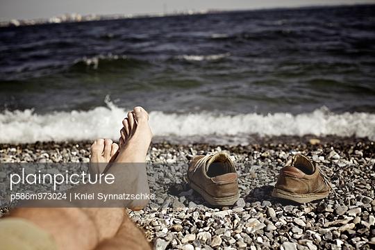 Entspannung an der Küste bei Helsingör - p586m973024 von Kniel Synnatzschke