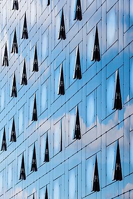 Moderne Fassade - p488m1425503 von Bias