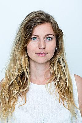 Portrait of woman - p312m1211104 by Susanne Kronholm
