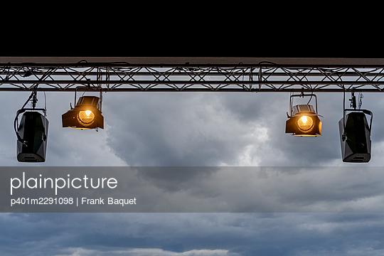 Spotlight - p401m2291098 by Frank Baquet