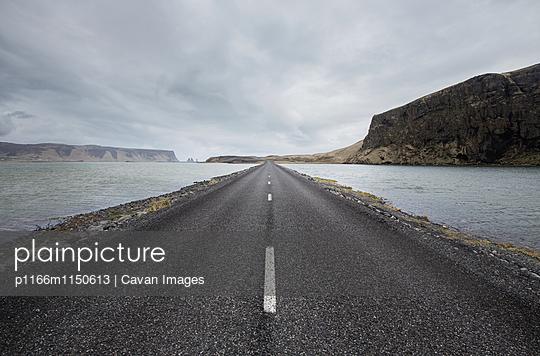 p1166m1150613 von Cavan Images