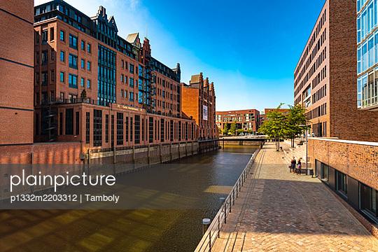 View of Hafencity and Speicherstadt, Hamburg - p1332m2203312 by Tamboly