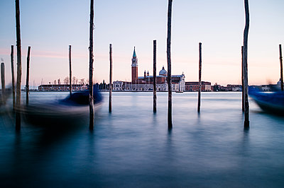 Gondeln in Venedig - p1326m1218729 von kemai