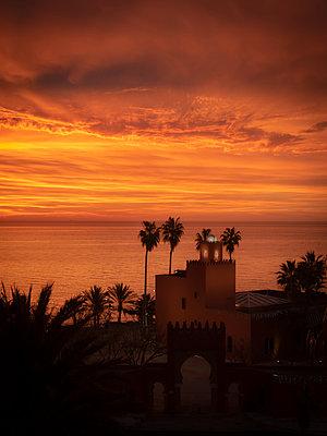 Spain, Malaga, House by the sea - p1681m2263265 by Juan Alfonso Solis